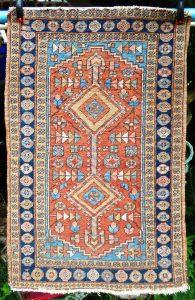 Heriz rug structure